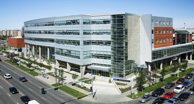 Panoramic-view-of-Robbins-Health-Learning-Centre-650x350